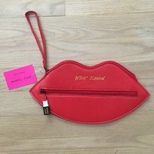 Betsey Johnson Bright Red Lip Mini Clutch / Sungla
